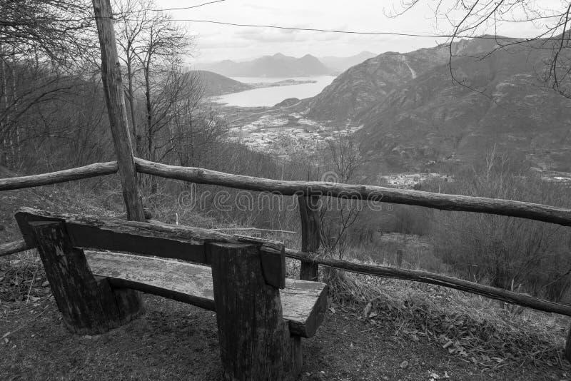 Il balcone sopra la valle immagini stock