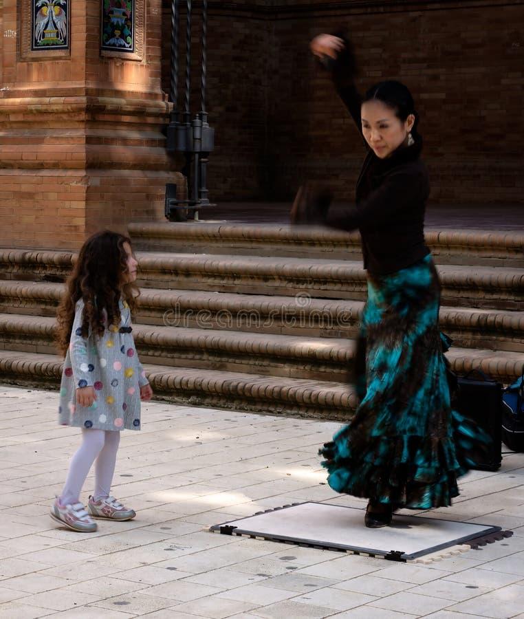 Il ballerino ed il bambino fotografie stock libere da diritti