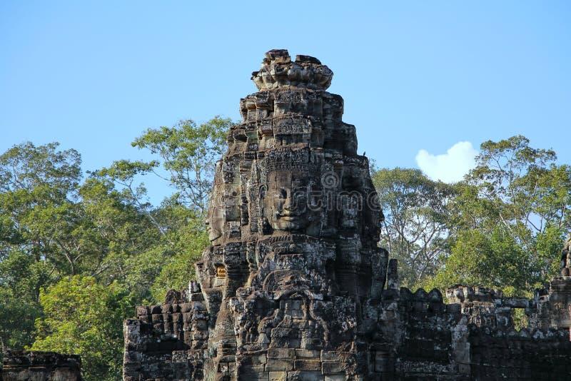 Il Bayon è un tempio khmer pienamente decorato a Angkor in Cambogia fotografie stock libere da diritti