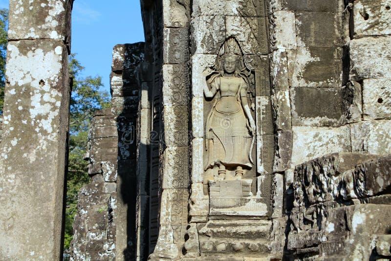 Il Bayon è un tempio khmer pienamente decorato a Angkor in Cambogia fotografia stock libera da diritti
