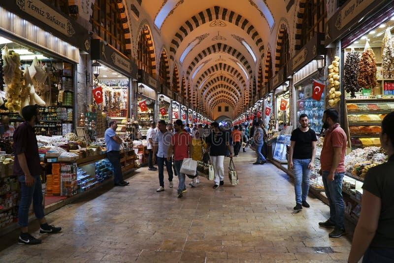 Il bazar famoso della spezia a Costantinopoli fotografia stock libera da diritti
