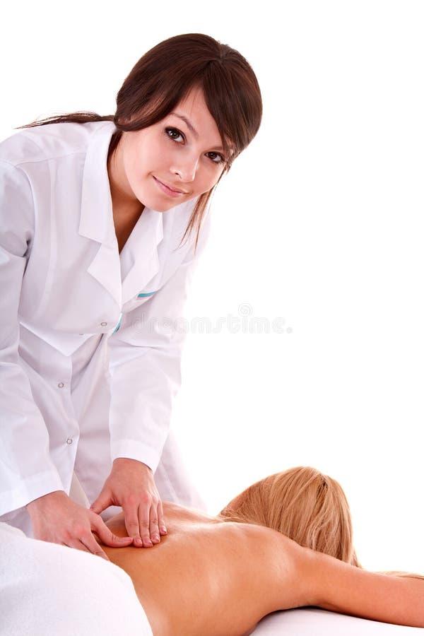 Il beautician del Masseur massaggia nel salone della stazione termale. fotografia stock libera da diritti