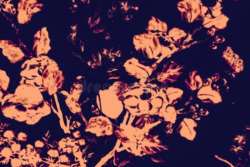 Il bei uccello dell'albero e pitture di arte dei fiori colorano il rosa e fondo e carta da parati neri del modello dell'illustraz illustrazione vettoriale