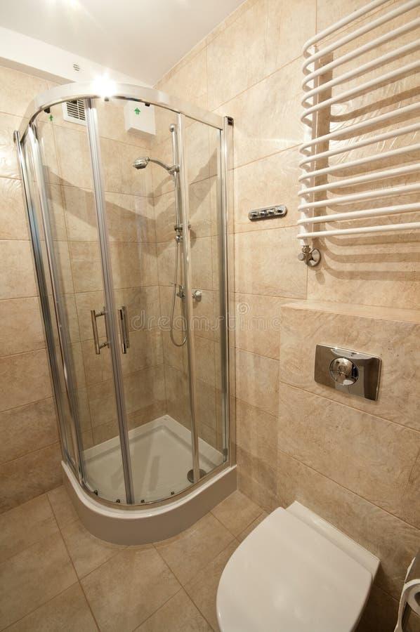 Bagno beige immagine stock immagine di tiled architettura 29897049 - Toilette da bagno ...
