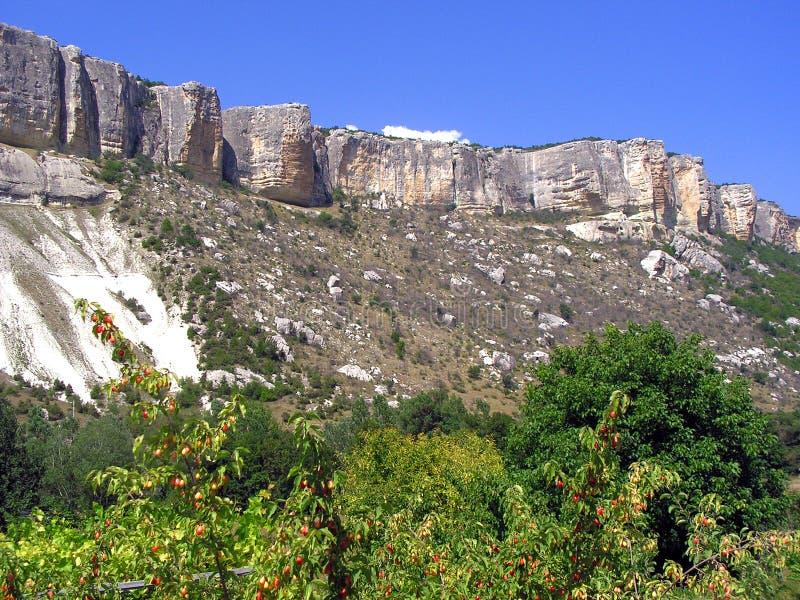 Il bello paesaggio della montagna immagine stock