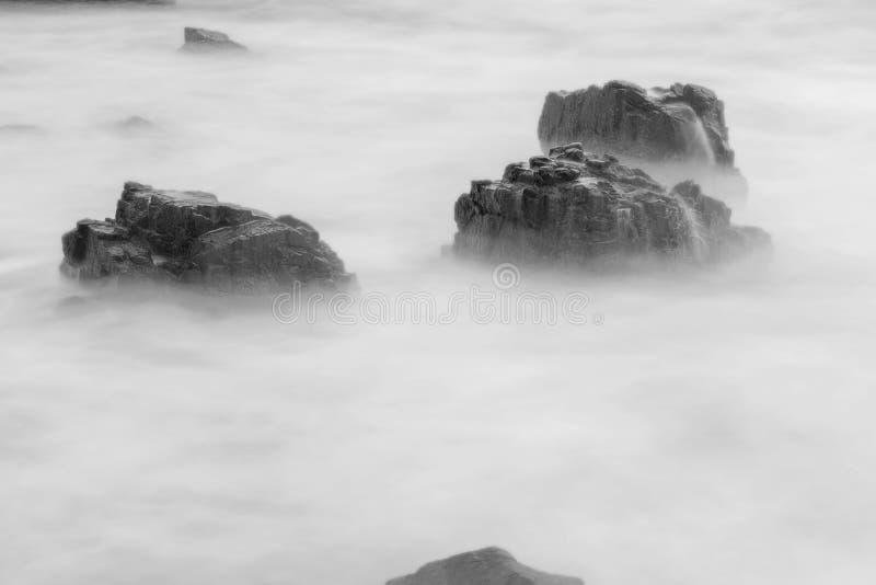 Il bello punto di vista di Gigi Hiu Beach, l'esotico dei denti dello squalo costeggia, Tanggamus - Lampung, Indonesia fotografia stock libera da diritti