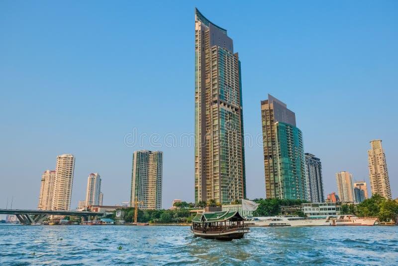 Il bello scenico su Chao Phraya River, Bangkok, Thailan immagini stock libere da diritti