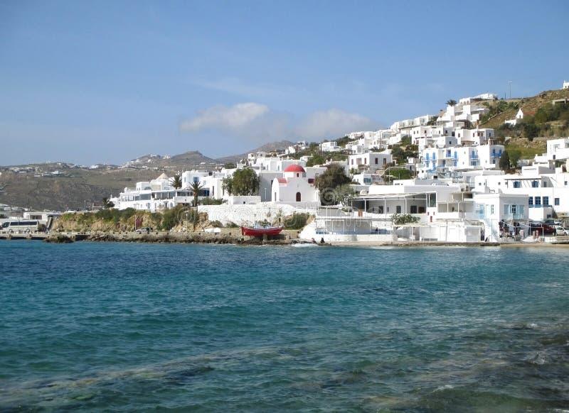 Il bianco ha colorato l'architettura greca delle isole sul pendio di collina di vecchio porto di Mykonos, isola di Mykonos immagine stock