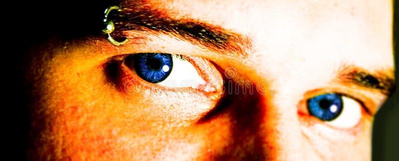 Download œil bleu photo stock. Image du homme, contraste, sourcil - 57904