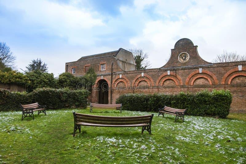 Il blocco stabile, nel parco di Cranford, la parte più completa delle costruzioni restanti della Camera di Cranford immagine stock