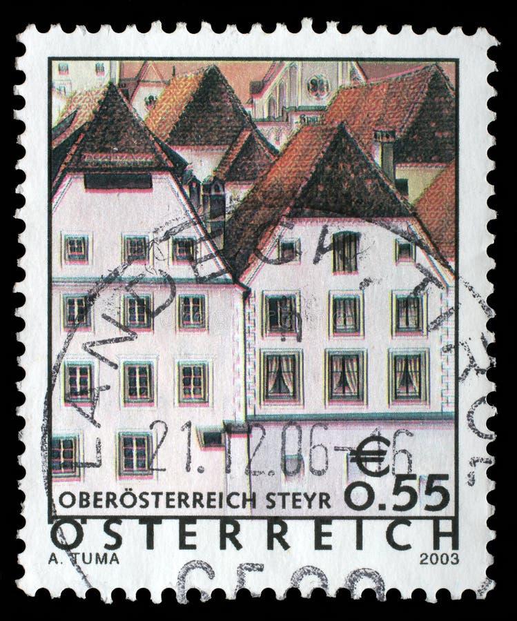 Il bollo stampato in Austria mostra l'immagine del bei Stey di Sankt Ulrich fotografia stock