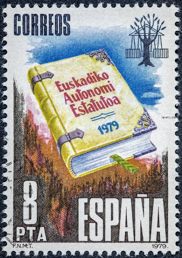 Il bollo stampato in Spagna mostra lo statuto di autonomia del euskadi immagine stock