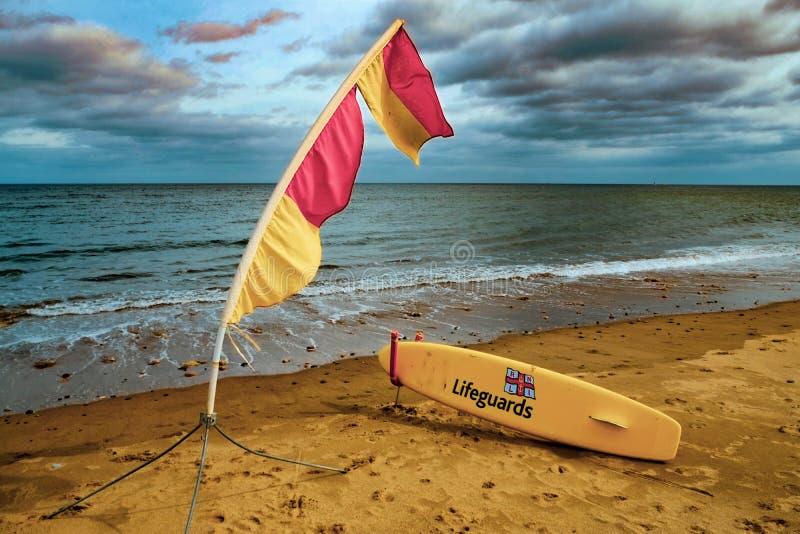 Il bordo del bagnino sulla spiaggia fotografie stock libere da diritti