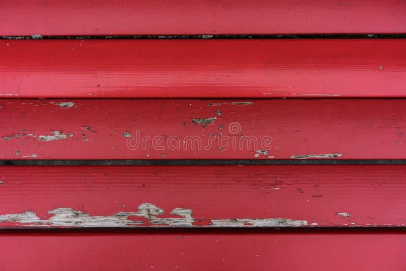 Il bordo rosso d'annata dal banco con pittura ha scheggiato fuori immagini stock libere da diritti