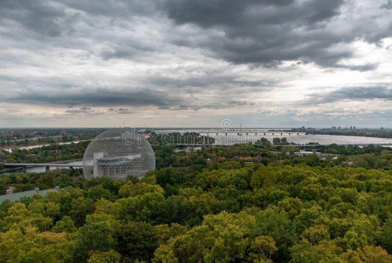 Il Buckminster-Fullerine di Montreal ha ispirato la biosfera fotografia stock