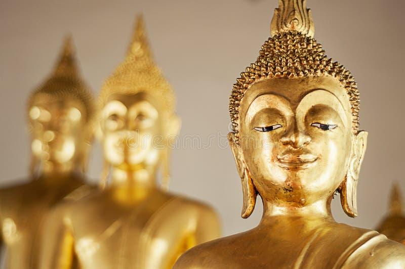 Il buddha dorato immagini stock
