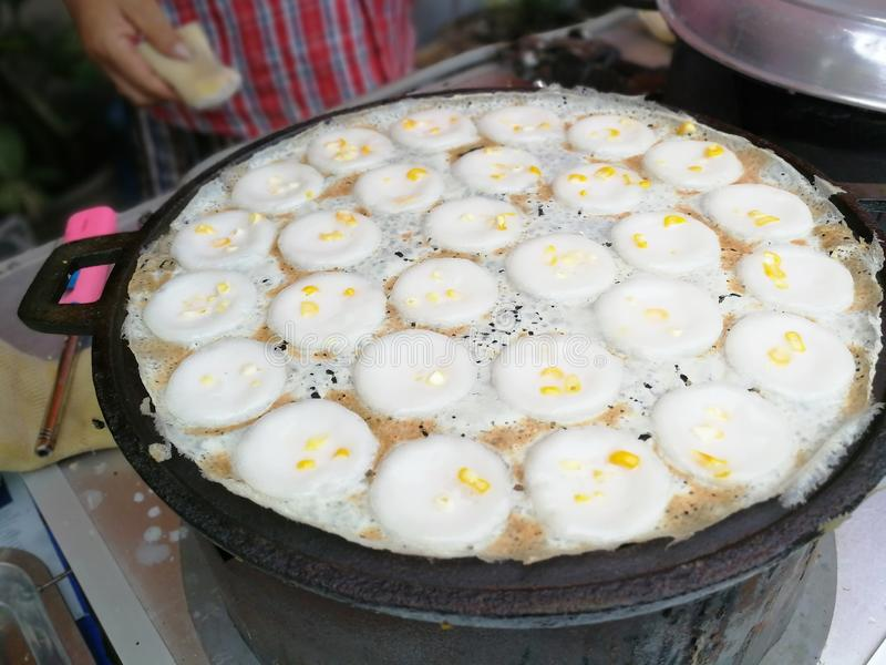 Il budino di riso della noce di cocco, nome tailandese è khrok del khanom fotografia stock libera da diritti