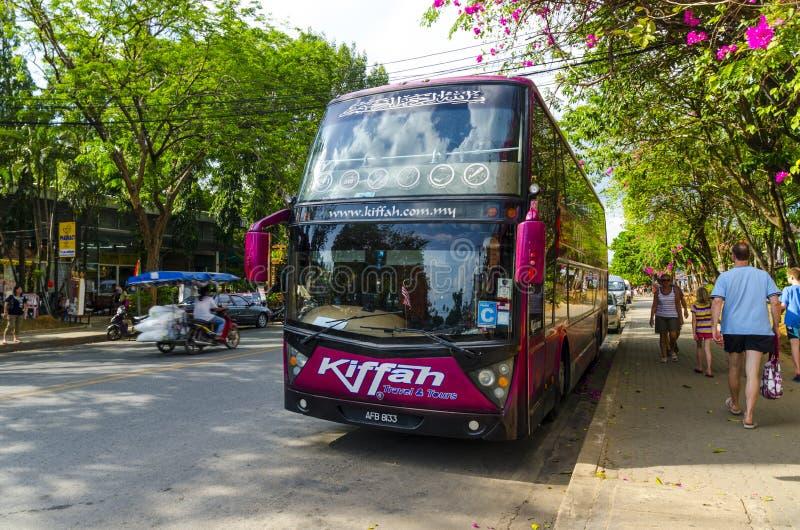 Download Il Bus Ha Preso I Turisti In Tailandia Ad Una Fermata Fotografia Editoriale - Immagine di posizioni, asia: 30829022