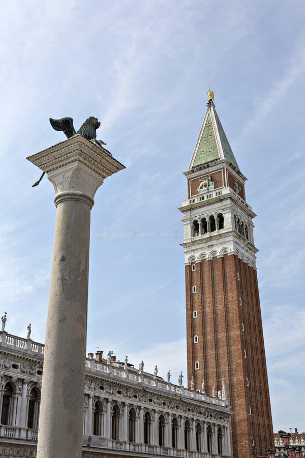 Download Il Campanile Di St Mark è Il Campanile Della Basilica Di St Mark Nella V Immagine Stock - Immagine di campanile, statua: 30825107