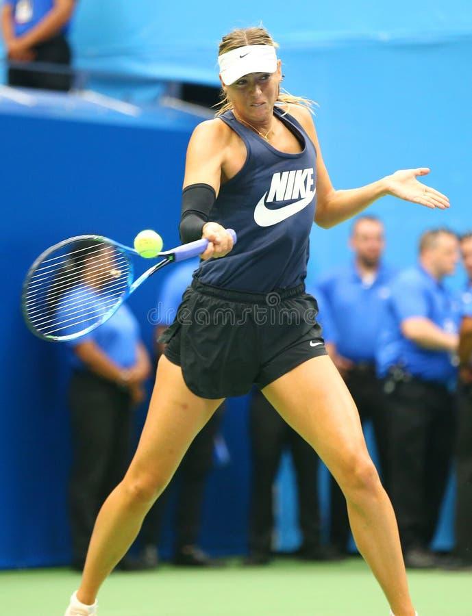 Il campione Maria Sharapova del Grande Slam di cinque volte di Federazione Russa pratica per l'US Open 2017 immagini stock libere da diritti