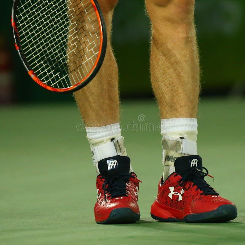 Il campione olimpico Andy Murray della Gran Bretagna indossa l'abitudine sotto le scarpe di tennis dell'armatura durante gli uomi immagini stock libere da diritti