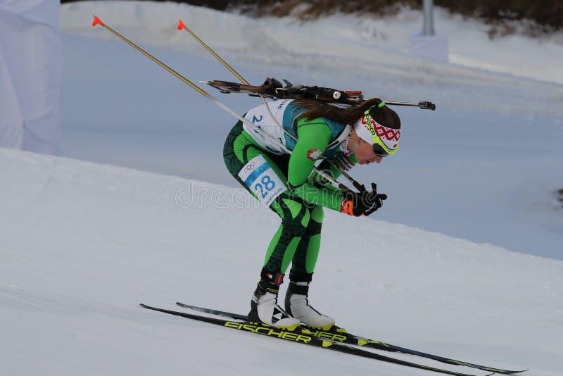 Il campione olimpico Darya Domracheva della Bielorussia fa concorrenza nell'individuo del ` s 15km delle donne di biathlon alle 2 fotografia stock libera da diritti