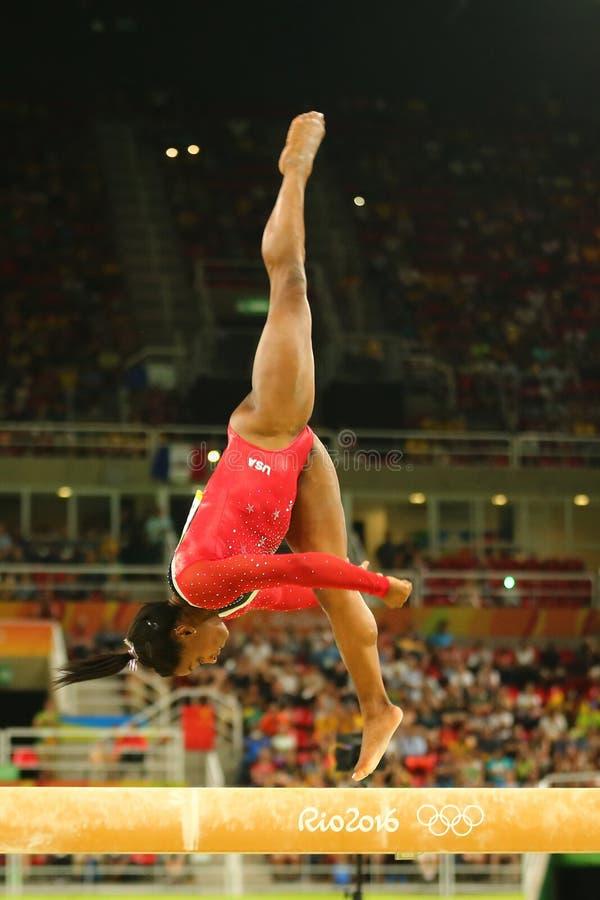Il campione olimpico Simone Biles degli Stati Uniti fa concorrenza al finale sulla ginnastica artistica del ` s delle donne del f fotografia stock
