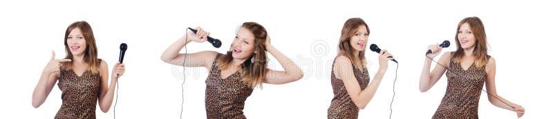 Download Il Cantante Della Donna Con Il Microfono Su Bianco Fotografia Stock - Immagine di karaoke, effettuazione: 117977770