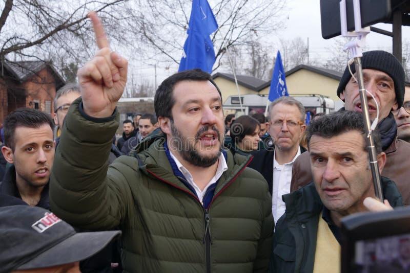 Il capo di Matteo Salvini del partito italiano di Lega ed al giorno d'oggi ministro degli affari interni incontra i sostenitori d fotografia stock