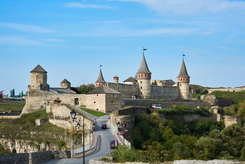 Il castello di Kamianets-Podilskyi è un precedente castello del Ruthenian-lituano e un successivamente fortezza polacca in tre pa fotografia stock libera da diritti