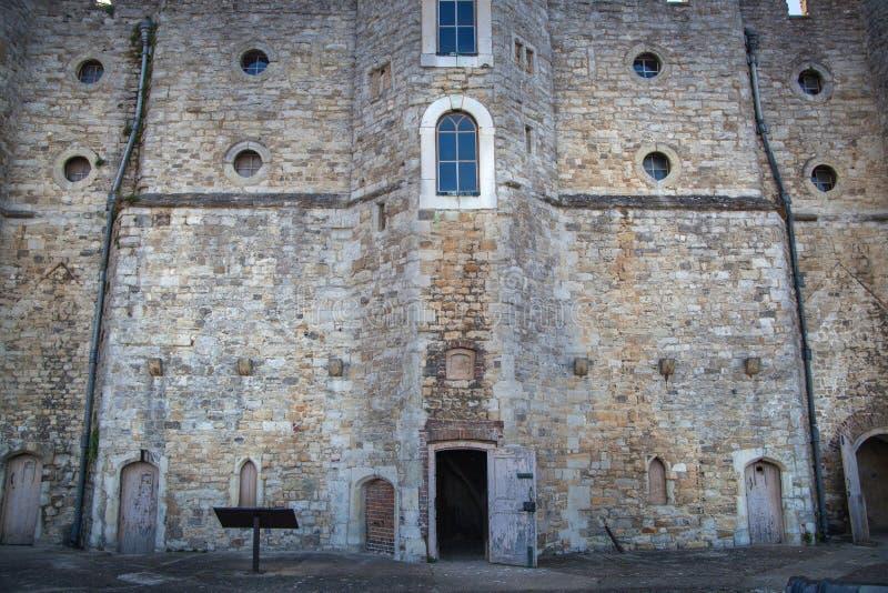 Il castello di Upnor è una fortificazione elisabettiana dell'artiglieria situata sulla sponda ovest del fiume Medway in Risonanza fotografie stock libere da diritti