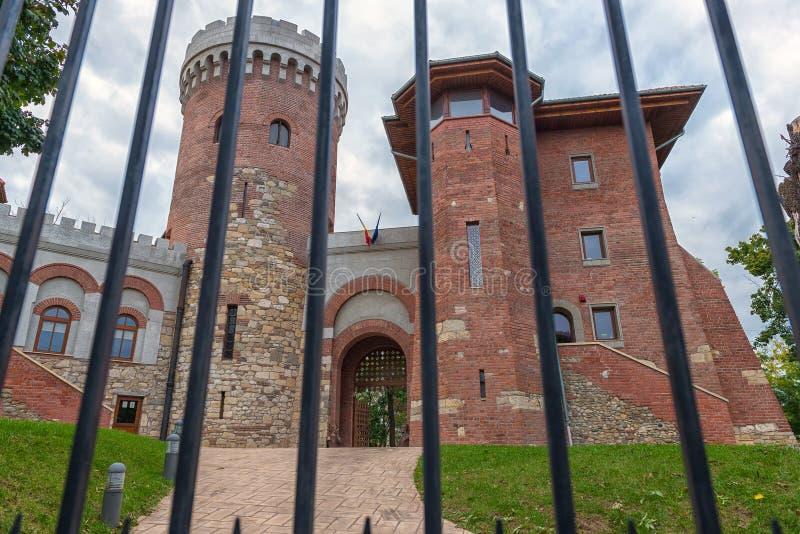Il castello di Vlad il Impaler a Bucarest in Carol Park fotografia stock