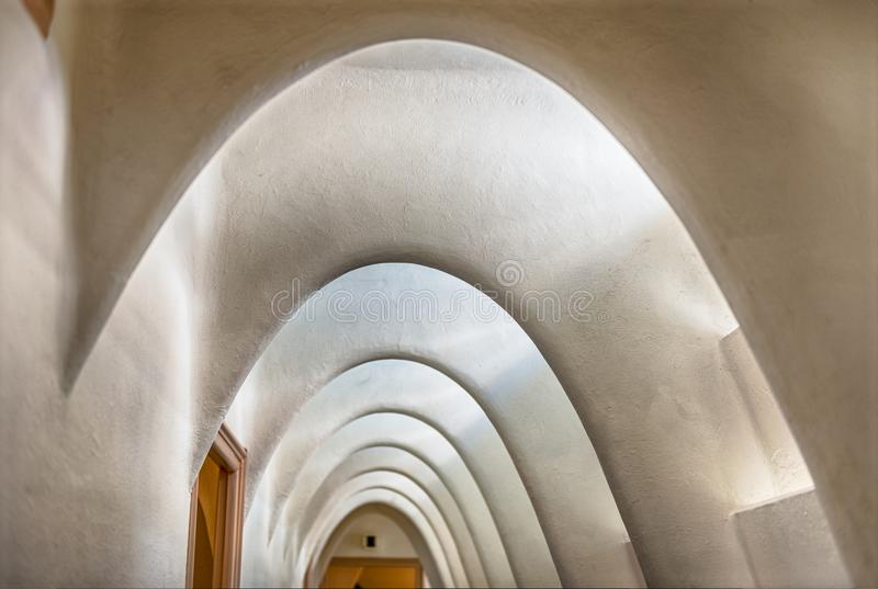 Il catenaria si arca in attico della casa Batllo, Barcellona, Catalogna, immagine stock