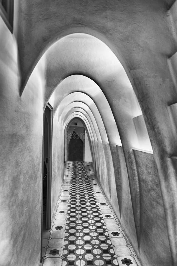 Il catenaria si arca in attico della casa Batllo, Barcellona, Catalogna, immagini stock