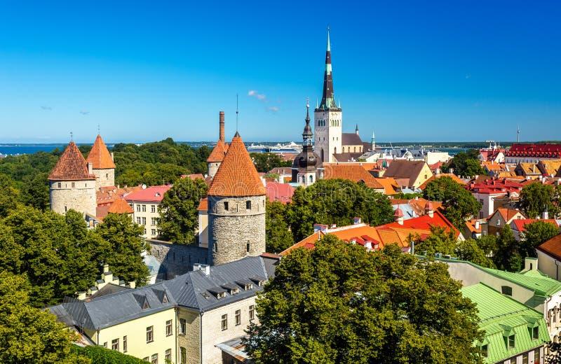 Il centro storico di Tallinn, un sito di eredità dell'Unesco in Estoni fotografie stock