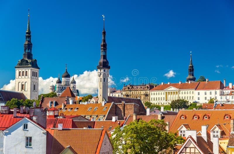 Il centro storico di Tallinn, un sito di eredità dell'Unesco in Estoni immagini stock libere da diritti