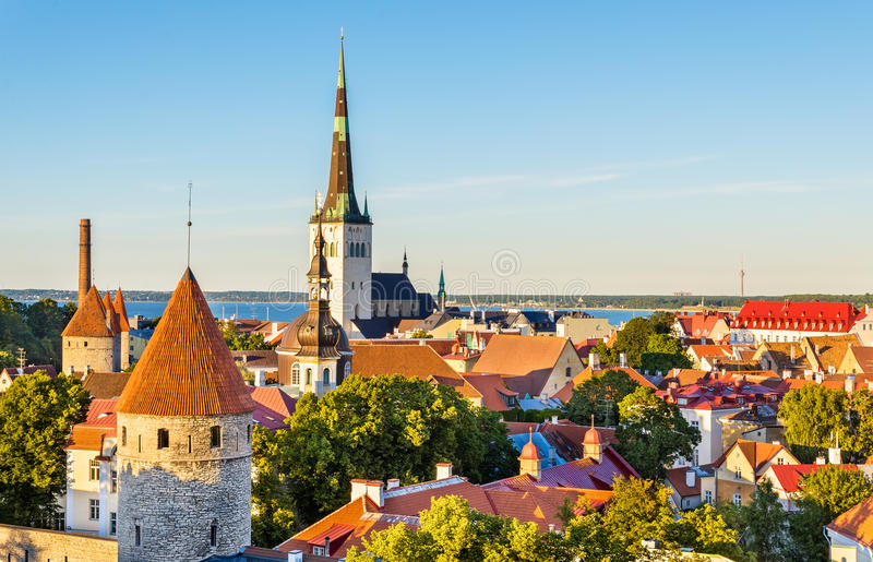 Il centro storico di Tallinn, un sito di eredità dell'Unesco in Estoni fotografia stock