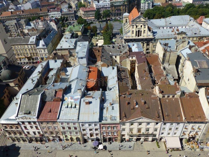 Il centro storico di vecchia città a Leopoli immagini stock libere da diritti