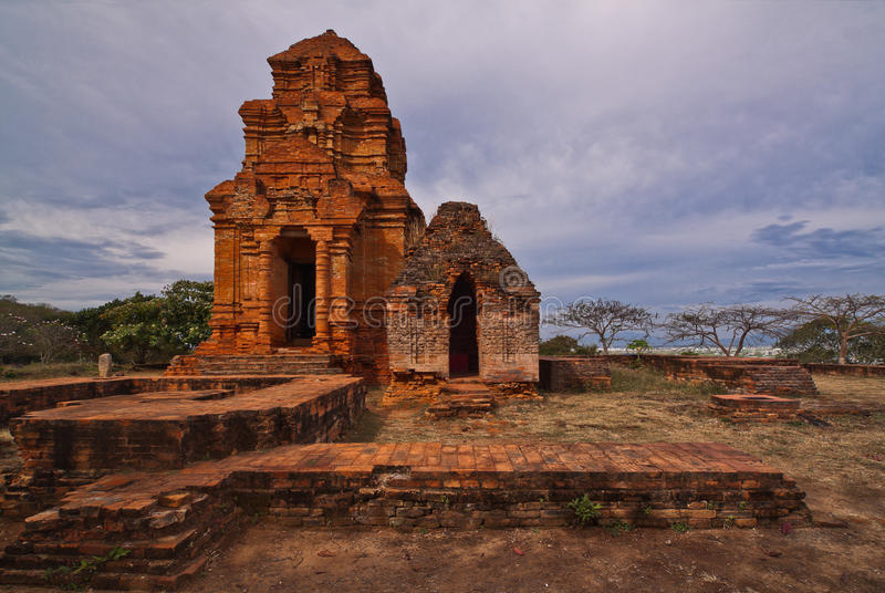 Il Cham torreggia su Poshanu nel Vietnam fotografia stock libera da diritti