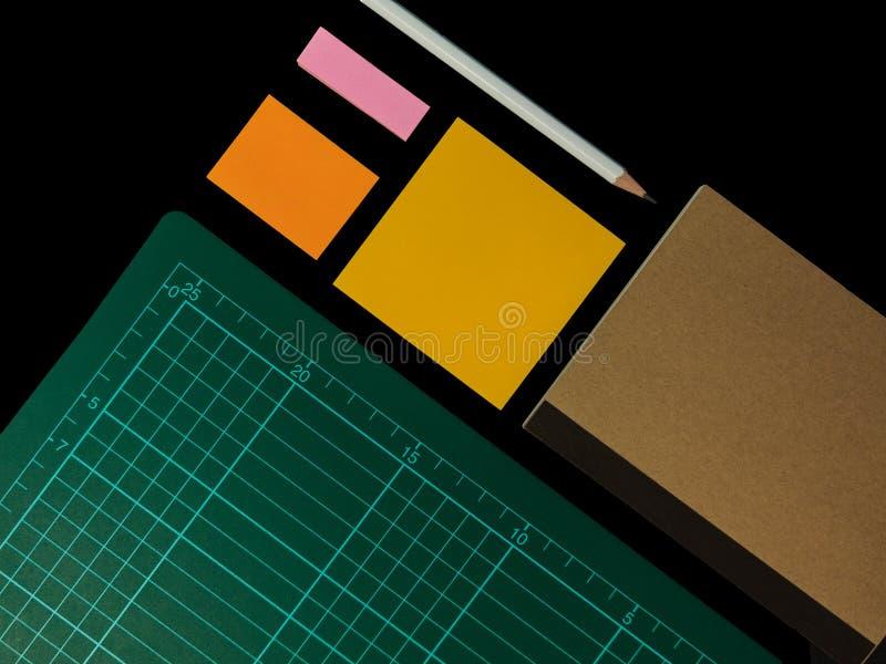 Il chiaro taccuino di colore si è aperto per la nota di conferenza o della nota o l'appunto FO immagini stock libere da diritti