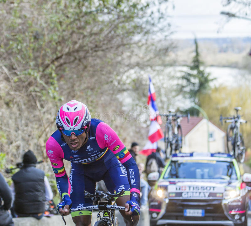 Il ciclista Tsgabu Gebremaryam Grmay - 2016 Parigi-piacevole fotografie stock libere da diritti