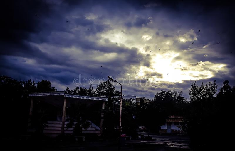 Il cielo aperto porte fotografia stock