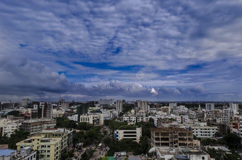 Il cielo della città immagine stock