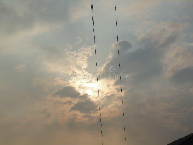 Il cielo di sera - tramonto immagini stock