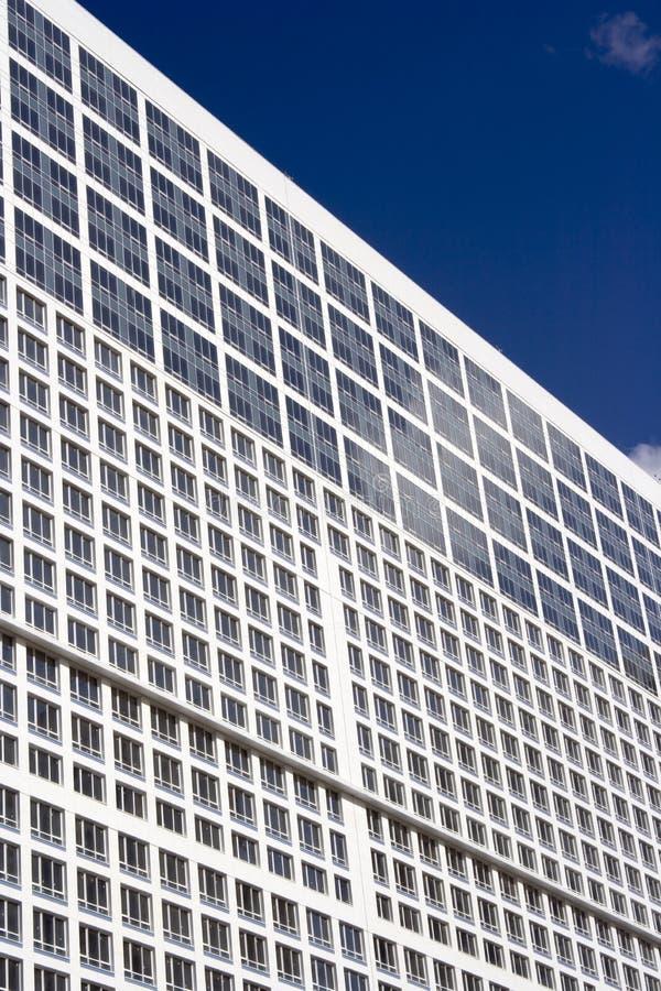 Il cielo e la parete della finestra immagini stock