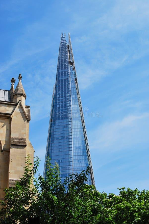 Il coccio di vetro visto dalla cattedrale di Southwark fotografia stock libera da diritti