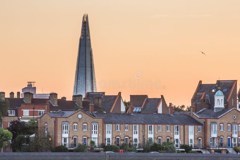 Il coccio sull'orizzonte di Londra fotografia stock libera da diritti