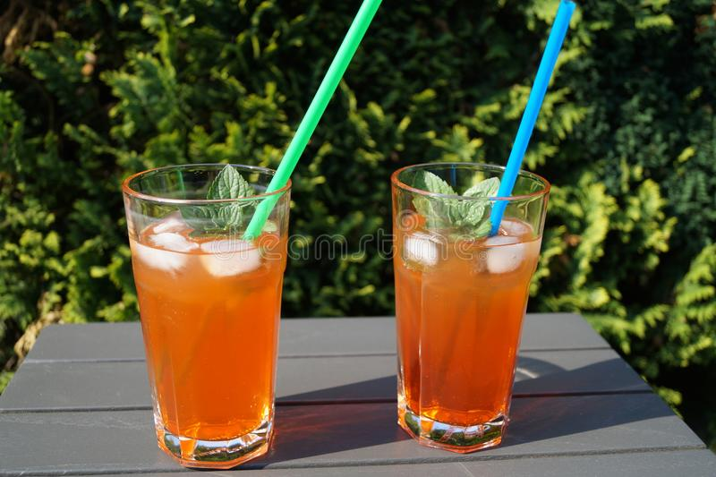 Il cocktail fresco con spritz fotografie stock libere da diritti