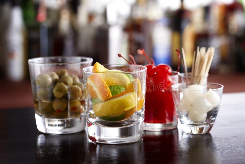 Il cocktail guarnisce immagine stock