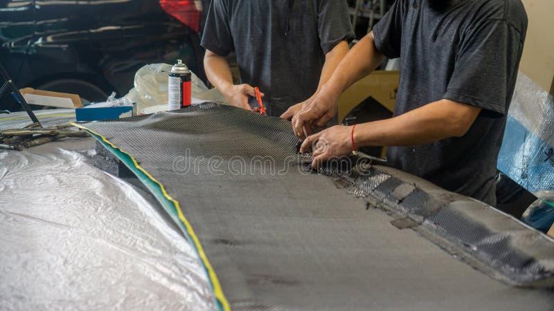 Il cofano anteriore del cappuccio ? fatto di carbonio fotografie stock